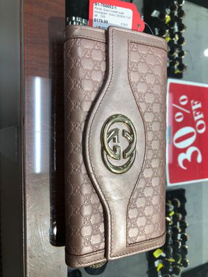 Gucci wallet for Sale in Orlando, FL