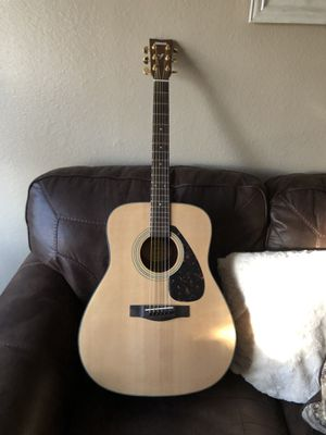 Yamaha F335 Acoustic Guitar for Sale in Scottsdale, AZ