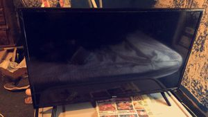 """TCL 32"""" Roku Smart TV for Sale in Whitmire, SC"""