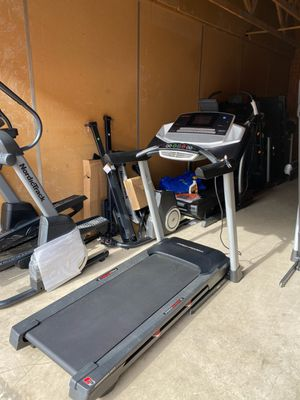 PROFORM TRAINER 900 TREADMILL^^EXCELLENT CONDITION for Sale in North Las Vegas, NV