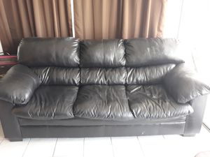 FREE COUCH. MOVING OUT for Sale in Largo, FL