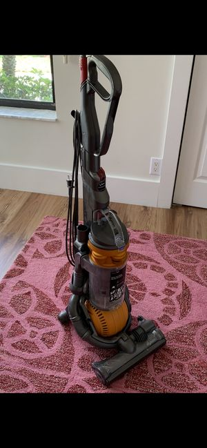 Dyson Vacuum - Location: Weston, FL for Sale in Fort Lauderdale, FL