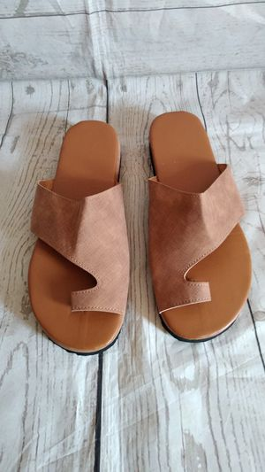 Brand New Beautiful Sandals , women's size 9 ( never worn ) for Sale in Frederick, MD
