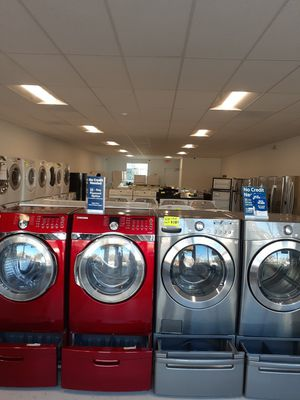 🔥🔥Red Samsung washer and electric dryer set with pedestal 90 days warranty 🔥🔥 for Sale in Mount Rainier, MD