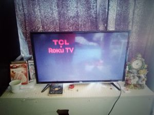 Tcl Roku 32 inch tv for Sale in Pinon Hills, CA