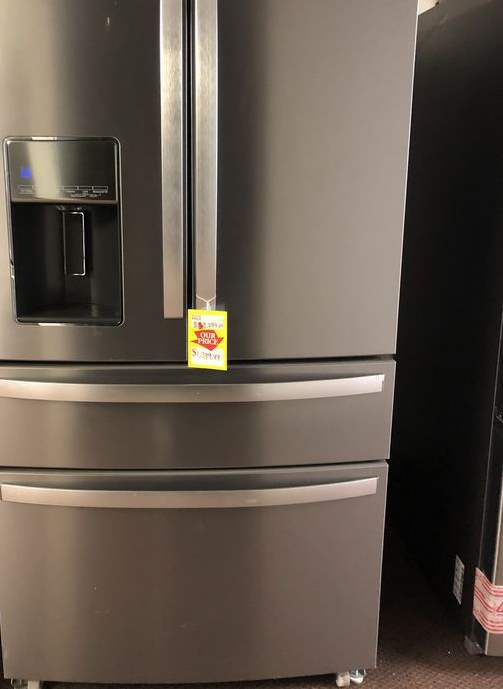 Whirlpool Refrigerator 🙈⏰✔️⚡️🍂🔥😀🙈⏰✔️⚡️🍂🔥😀🙈⏰✔️ Appliance Liquidation!!!!!!!!!!!!!!!!! V K
