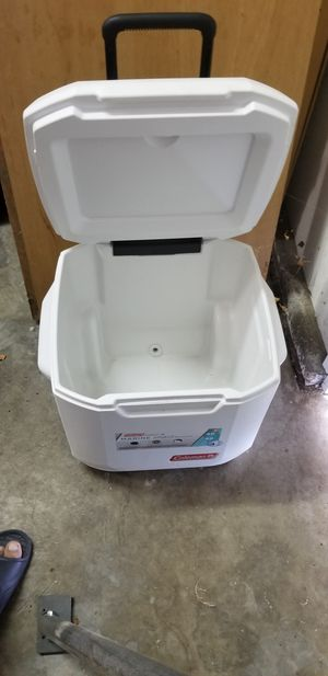 Coleman wheeled cooler for Sale in Manteca, CA