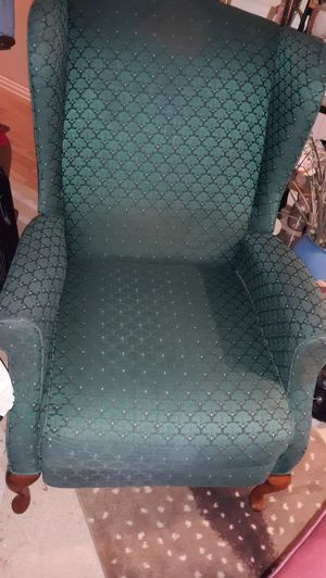 Green recliner good condition for Sale in Smyrna, TN