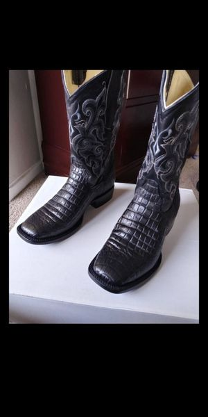 Men botas size 9 nuebas.new for Sale in Dallas, TX