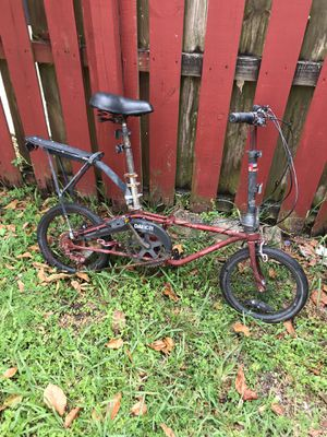 Folding bicycle needs love for Sale in Miami, FL