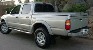 On Saleee 2004 Toyota Tacoma PreRunner 4WDWheels Clean! for Sale in St. Petersburg, FL
