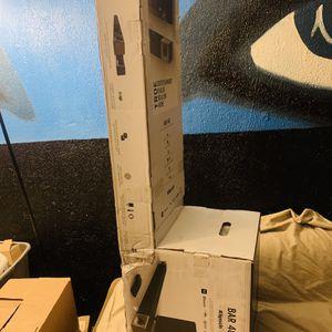 Klipsch BAR 48 SOUND BAR + WIRELESS SUBWOOFER for Sale in San Diego, CA