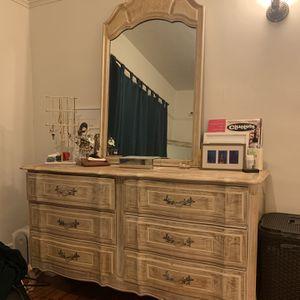 Gorgeous Bedroom set - chic vintage dresser, side tables + more for Sale in Los Angeles, CA