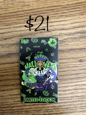 Disney Authentic Trading Pins. Halloween Villains NBC for Sale in Lakewood, CA