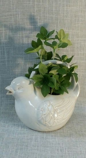 "Ceramic Bird Vase with Artificial Plant 10""x8""x5"" *PICKUP ONLY* home decor, household, flowers for Sale in Mesa, AZ"