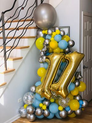 Custom balloon bouquets for Sale in Hawthorn Woods, IL