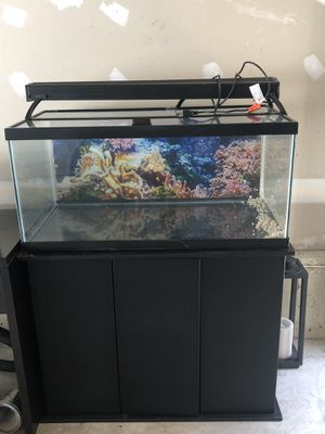 50 gallon fish tank and stand for Sale in Clarksburg, MD