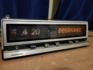 vintage soundesign flip clock for Sale in Murfreesboro, TN