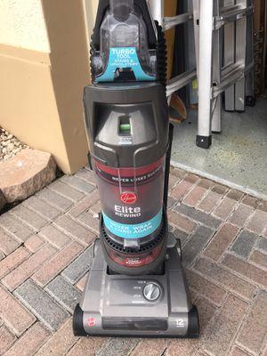 Hoover Elite vacuum cleaner 12 amps for Sale in Fort Lauderdale, FL