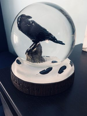 DarDark Horse Delux 1 of 750 Game of Thrones The Three-Eyed Raven Snow Globe for Sale in Los Angeles, CA