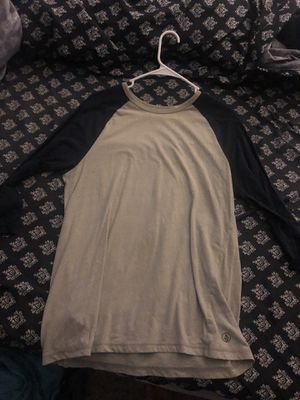 Men's Volcom baseball tee for Sale in Vancouver, WA