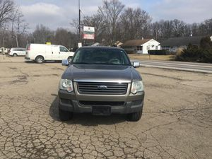 2006 Ford Explorer for sale clean title for Sale in Columbus, OH