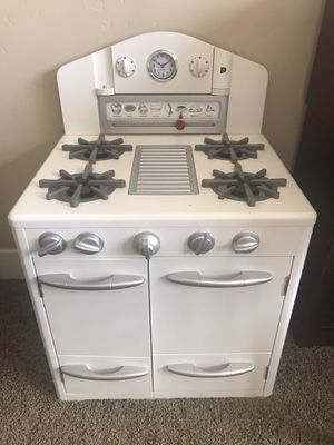 Pottery barn kids play oven for Sale in Folsom, CA