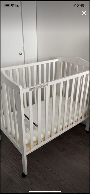 ‏‏ ‏‏‏‎Baby crib with mattress + Baby bath‎‏ for Sale in New York, NY