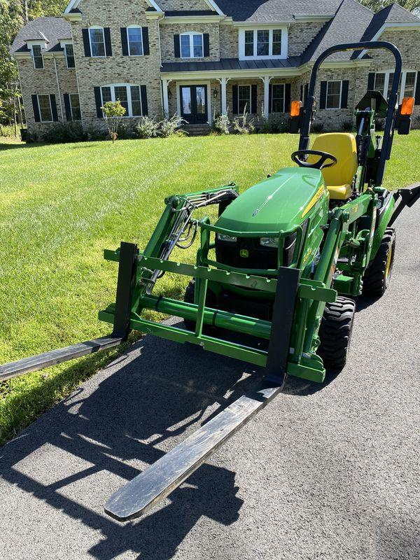 John Deere - 1025R Tractor, Loader, Backhoe