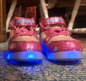 Trolls Princess Poppy Toddler Shoes Size 8- light up for Sale in Vancouver, WA