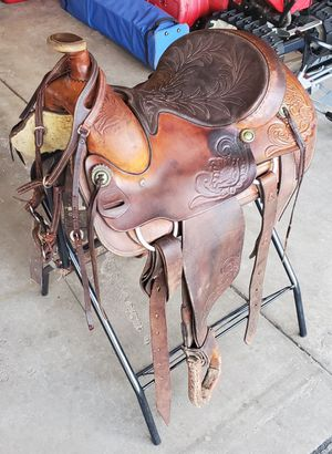 Horse Saddle + Stand + Clean Kit for Sale in Evergreen Meadows, CO