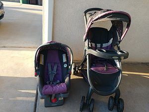 Graco stroller, carrier & base for Sale in Moreno Valley, CA