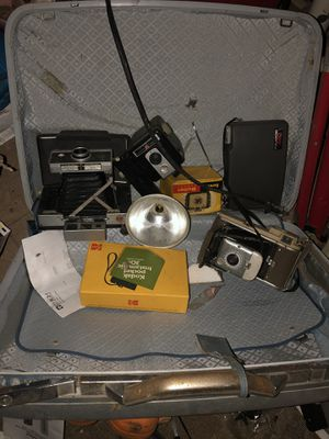 Old cameras in real good working condition for Sale in Indianapolis, IN