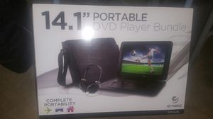 14.1 potable dvd player bundle for Sale in St. Louis, MO