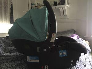 Safety1st Car Seat for Sale in Boston, MA