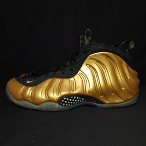 Nike Air Foamposite One Size 9.5 for Sale in Seagoville, TX