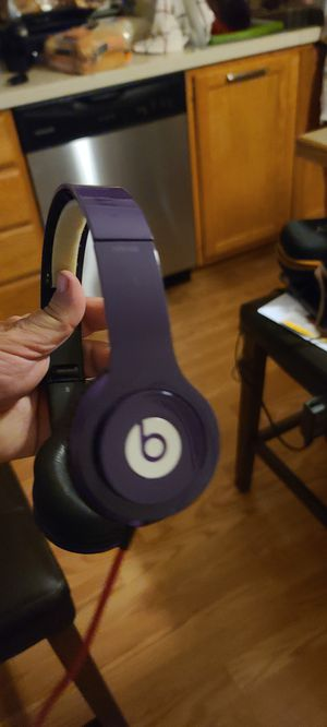 Beats solo hd wired works great for Sale in Puyallup, WA