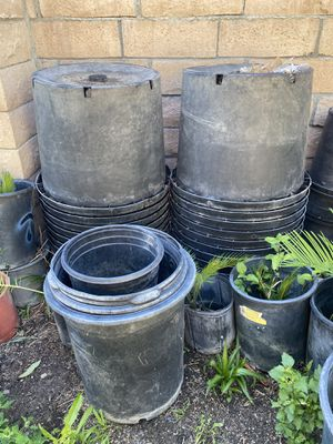 Planter pots over 52 large pots for Sale in San Bernardino, CA