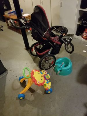 Pink scroller, baby seat, walking toy for kids for Sale in Douglasville, GA