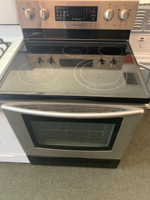🌠🌠Frigidaire electric stove🌠🌠 for Sale in Riverside, CA