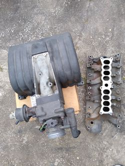 86-93 Mustang 5.0 intake manifold for Sale in North Lauderdale,  FL