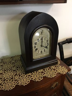 Small antique mantel clock, desk, dark finish, complete for Sale in Manalapan Township, NJ