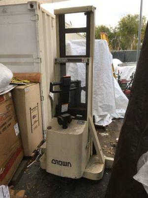 Crown 20MT walkie stacker walk behind forklift $300 or best offer for Sale in Orange, CA