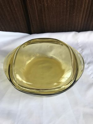 Pyrex bowl with lid for Sale in Kissimmee, FL