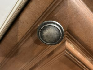 Cabinet Knobs & Handles (27 knobs, 10 handles) for Sale in North Las Vegas, NV