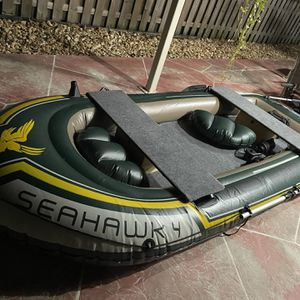 Inflatable Boat With Trolling Motor 11 Ft for Sale in Hialeah, FL