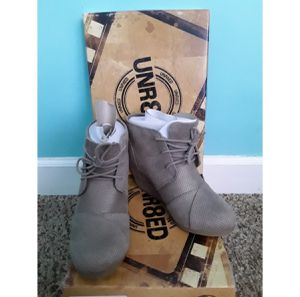 NEW Beige Round Toe Lace Up Wedge Booties for Sale in Stickney, IL