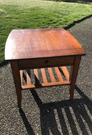 Side table / End Table for Sale in Enumclaw, WA