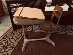 Kids desk for Sale in Tracy, CA