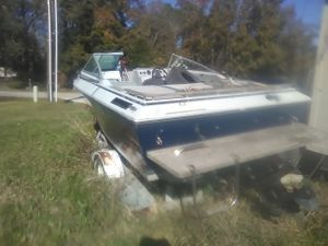 1990 Bayliner boat and trailor for Sale in Porter, TX